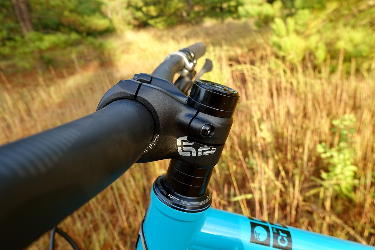 E-thirteen Race Carbon Handlebar and Alloy Base Mountain Bike Stem [Review] - Singletracks Mountain Bike News