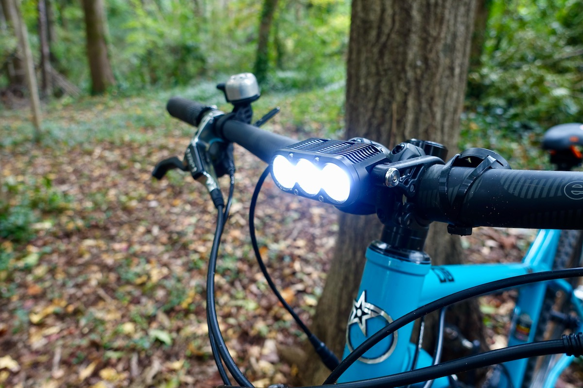 Gloworm XSV Bike Light Packs 3400 Lumens, Adjustable Beam Shape [Review] - Singletracks Mountain Bike News