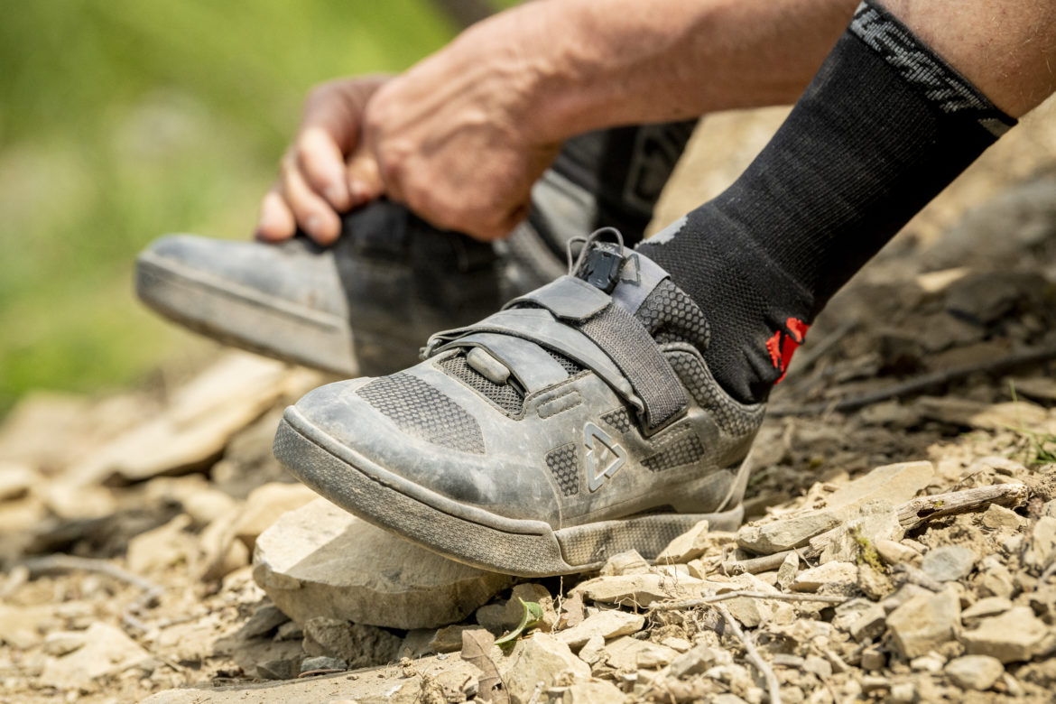 Leatt Steps Into the MTB Shoe Game With Two Flat and Two Clipless Offerings - Singletracks Mountain Bike News