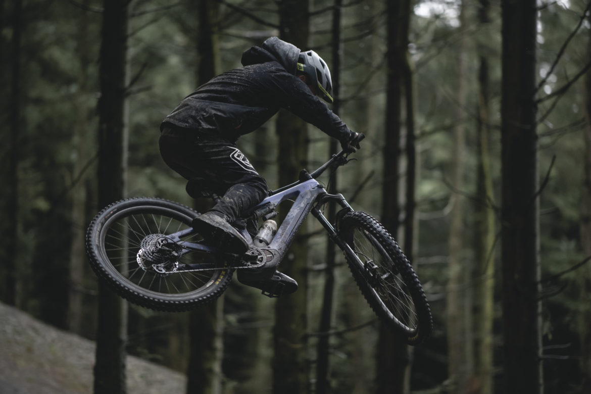 The 2020 Mullet eMTB Canyon Spectral:ON is now Available in the US - Singletracks Mountain Bike News