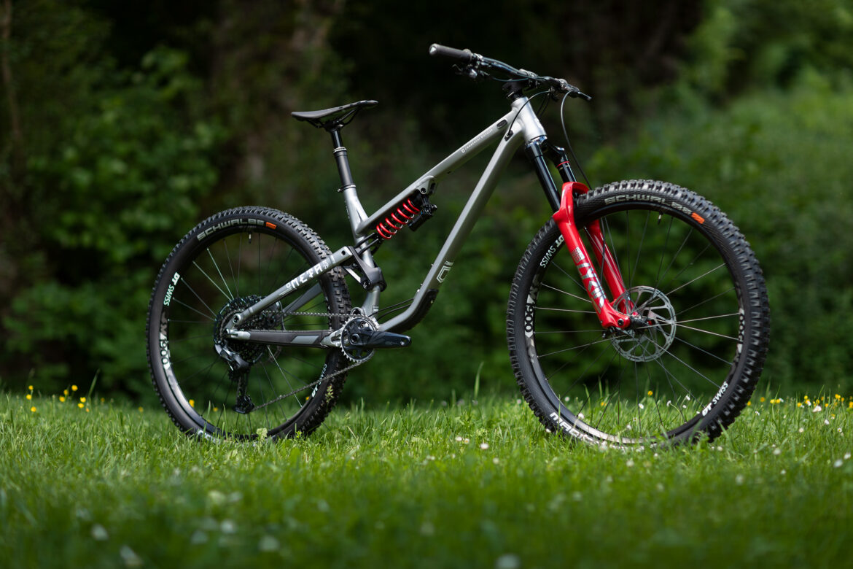 Best Enduro Bikes 2021 The 2021 Commencal Meta TR 29 is a 'Mini Enduro' Bike