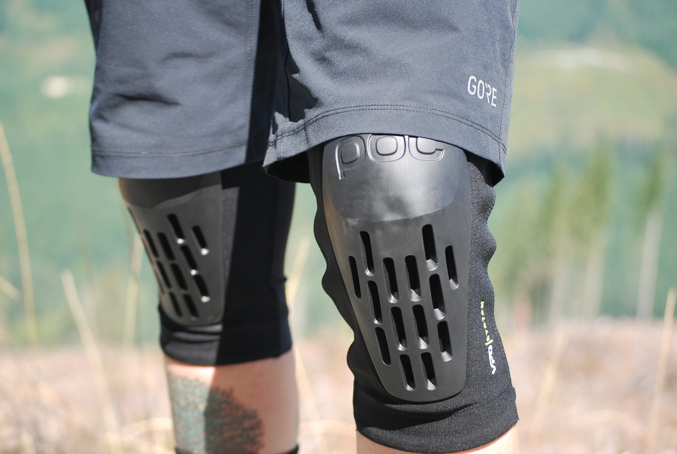 Finding the Right Fit: 8 MTB Knee Pads, Tested - Singletracks Mountain Bike News